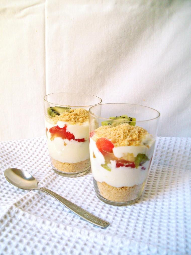 layered yogurt dessert0001
